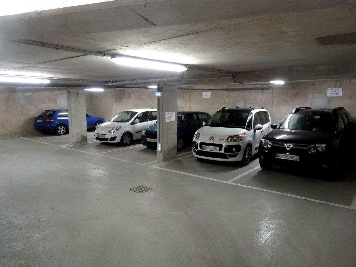 Astuces pour avoir la meilleure place de parking à l'aéroport